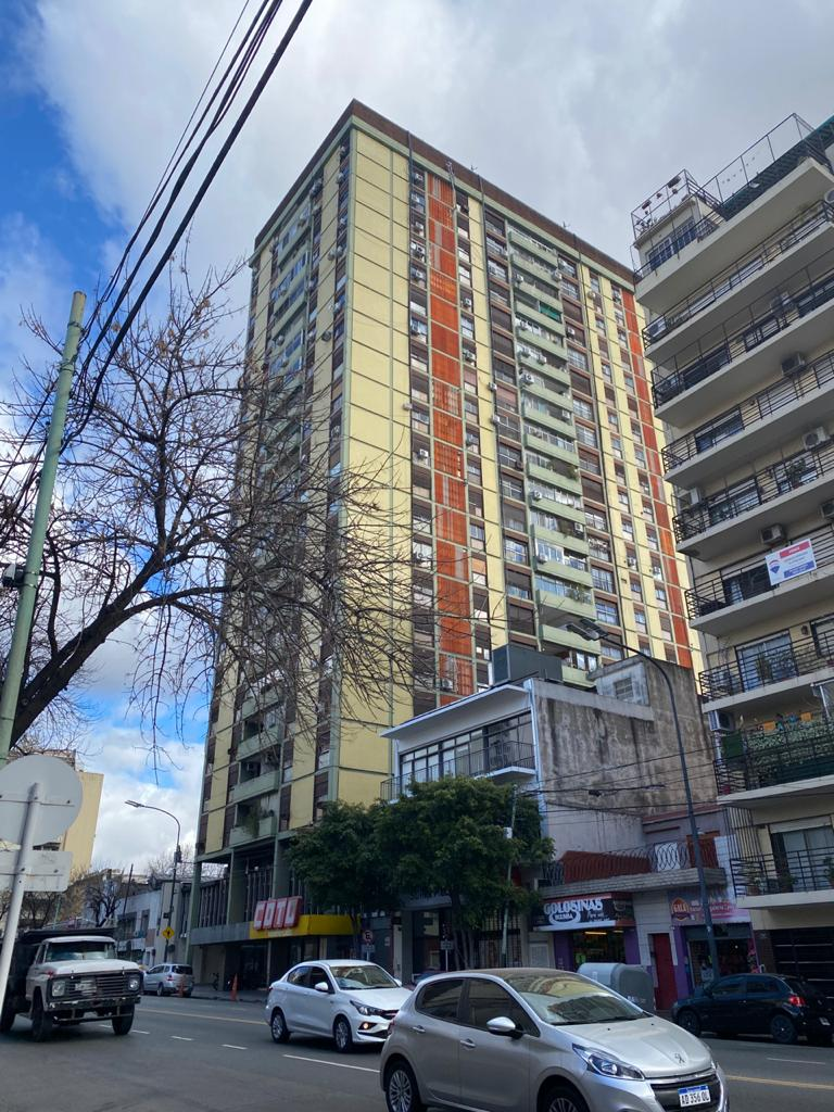 "Av. La Plata Nº 555, 19º ""G"""